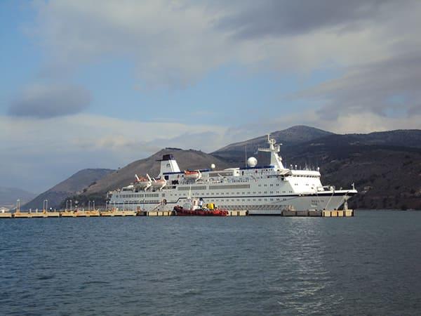 Argostoli-Cruise-Boat