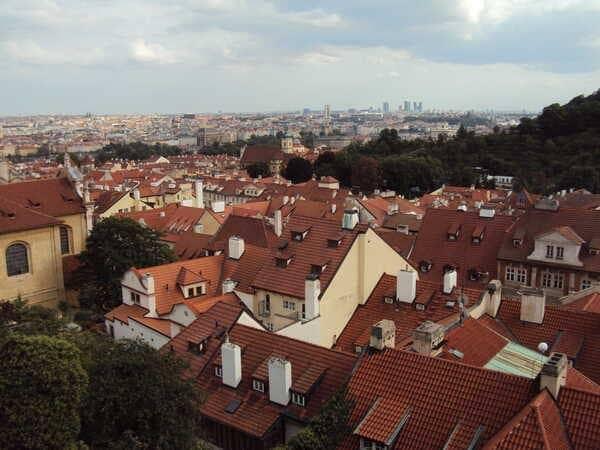 Прага красные крыши
