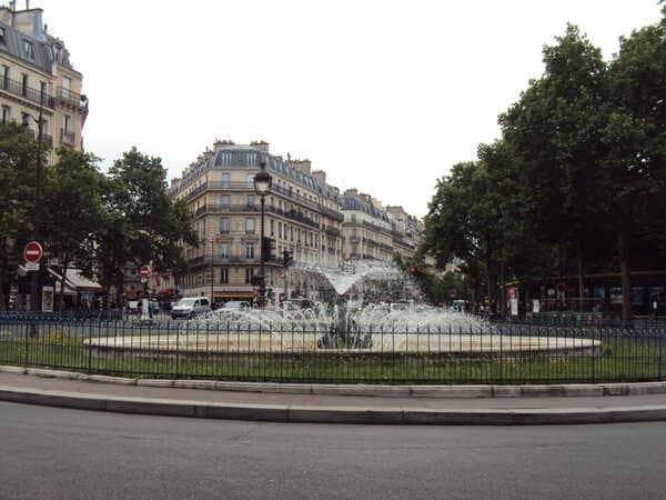 Фонтан в Париже
