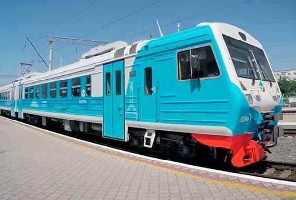 Электропоезд в Крыму