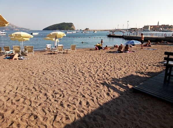 Славянский пляж в Будве